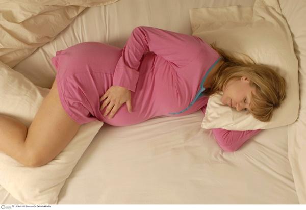 Pozitii de somn in ultimul trimestru de sarcina