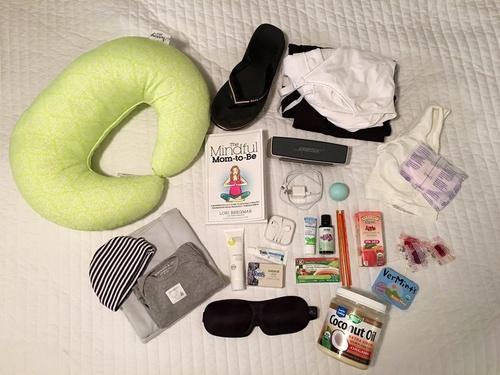 Uite cum arata bagajul de maternitate in New York.